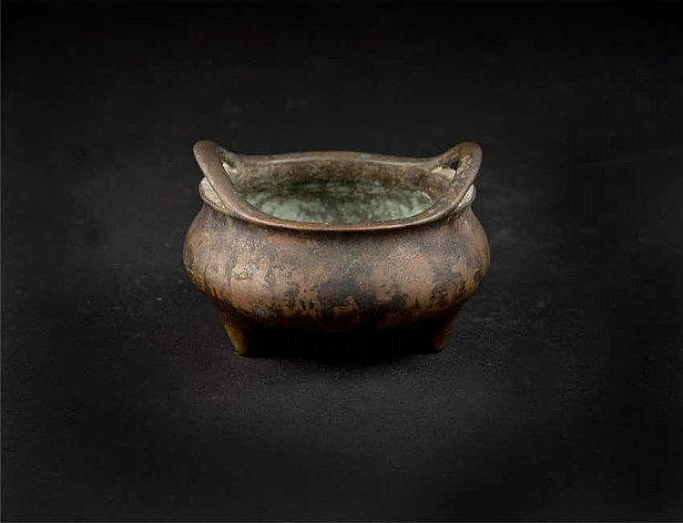Qing, Bronze Censer 清铜香炉 高 (Height): 10.5cm 宽(Width):13.0cm