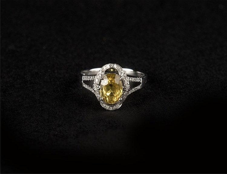 Yellow Sapphire Ring, 18k White Gold & Diamond Set (NGI Certified) 黄蓝宝石18k白金钻戒