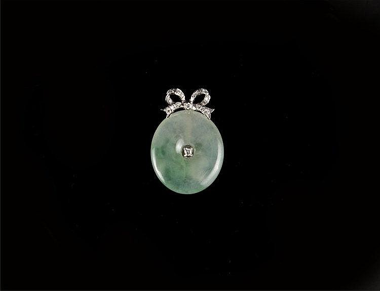 Jadeite (Icy Variety) Donut-shape Pendant, 18k White Gold & Diamond Set (NGI Certified) 冰种飘绿翡翠平安扣18k白金镶钻吊坠