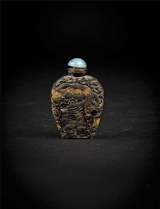 Republic Period Tortoise-Shell Snuff Bottle carved with Dragon 民国雕龙鼻烟壶