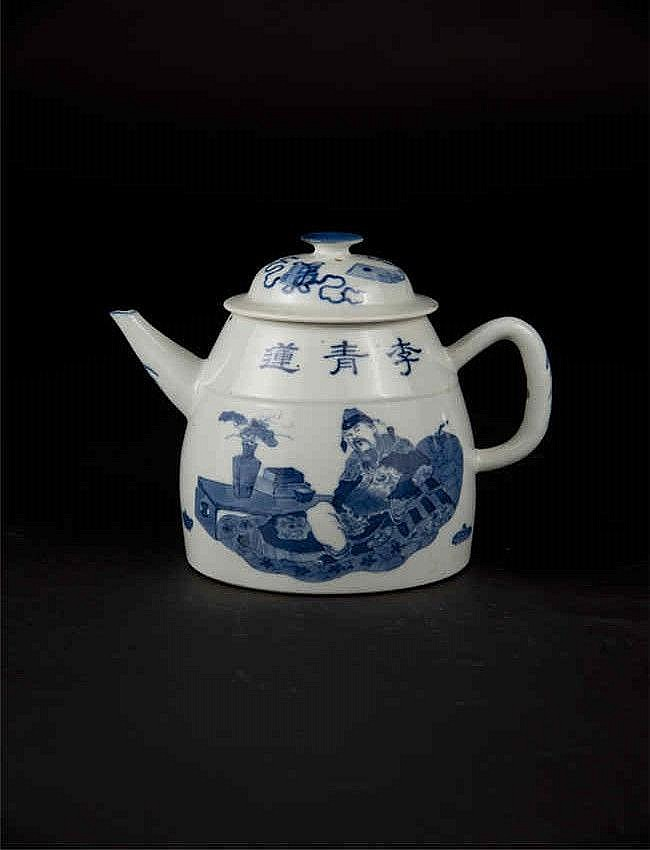 Guangxu Blue and White Ewer with Figure Scene光绪青花人物壶 高 (Height): 14.8cm