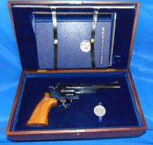 Smith & Wesson Pistol Revolver Mod 25-3, 45