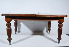 Late Victorian walnut exending dining table, with two additional leaves, co