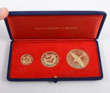 The Battle of Britain Cased Commemorative Medal Set, three 18 carat yellow