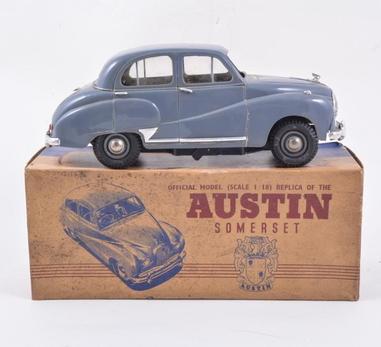 Victory Industries Model Austin Somerset Boxed 25cm
