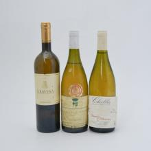 Assorted white tables wines including:  Botromagno Gravina 2002 (5 bottles)