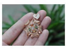 Inlaid jade pendant silver gilt