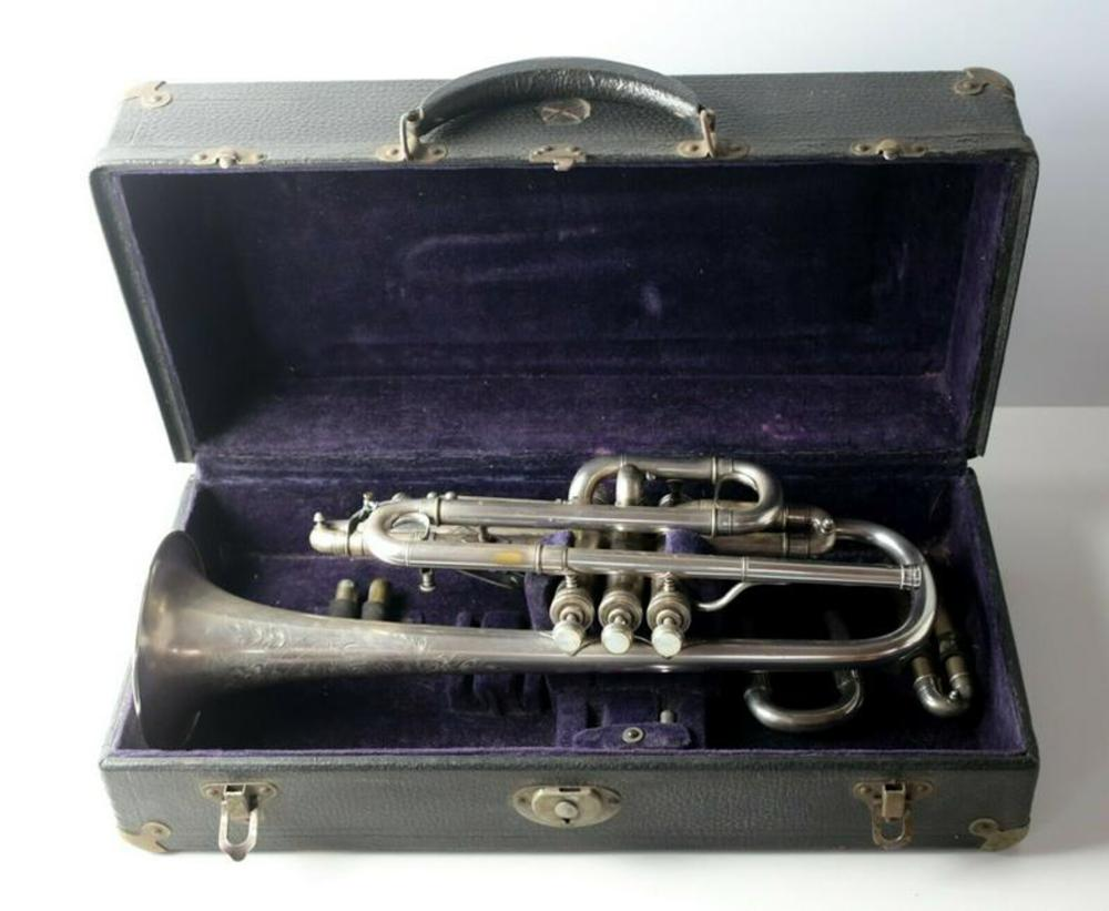 Clarks Special Syracuse NY Silver Cornet, in case w/ additional slides c1910
