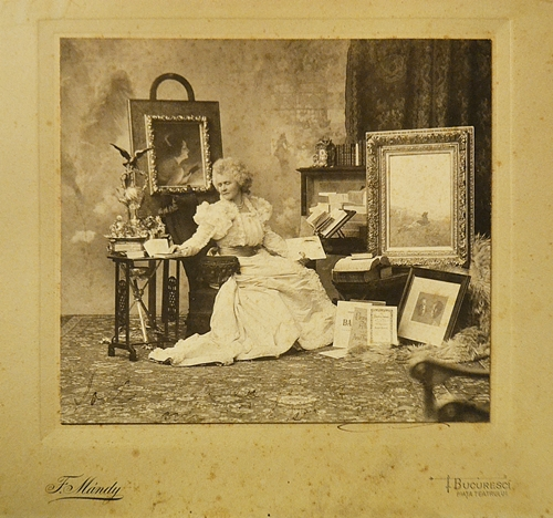 Franz Mandy Regina Elisabeta (Carmen Sylva) în atelierul său/ Queen Elisabeta in her studio