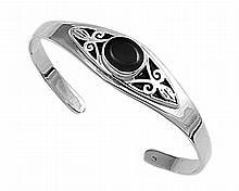 Silver Bangle Bracelet w/Onyx