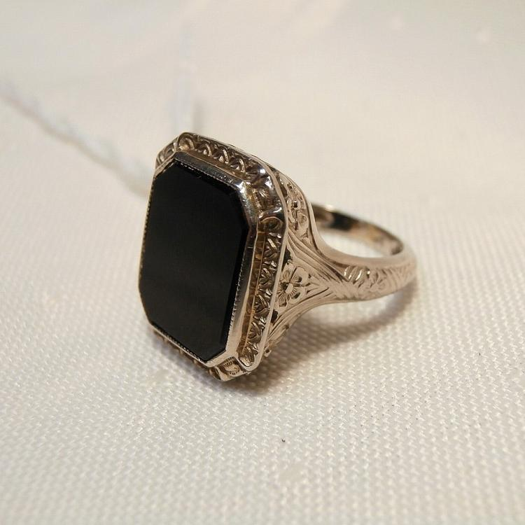 14kt white gold black onyx filigree ring