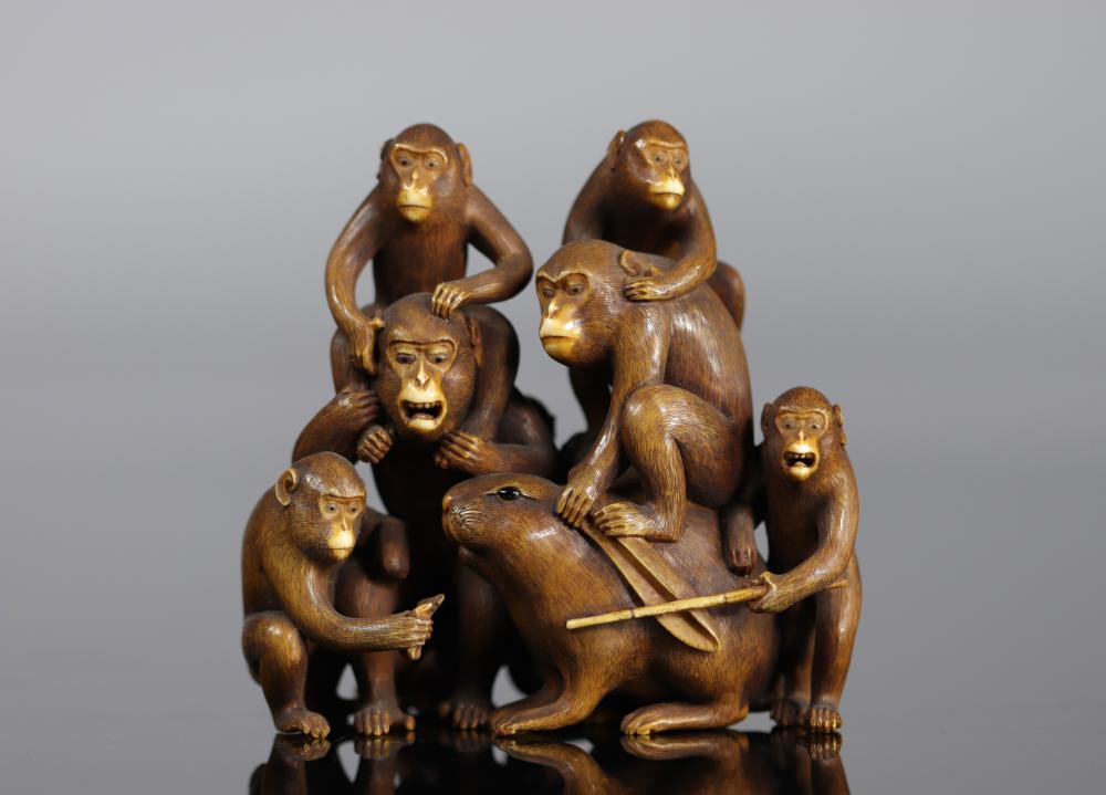 Sumptuous Japan Okimono signed Masatsugu carved with monkeys and a rabbit 19th Sizes: H=90mm L=