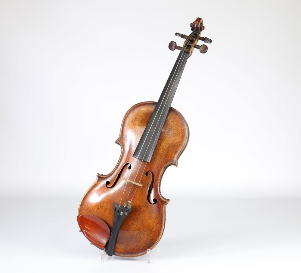 Rare 17th century violin (attached various documents) Sizes: L violon = 600mm Weight (K):