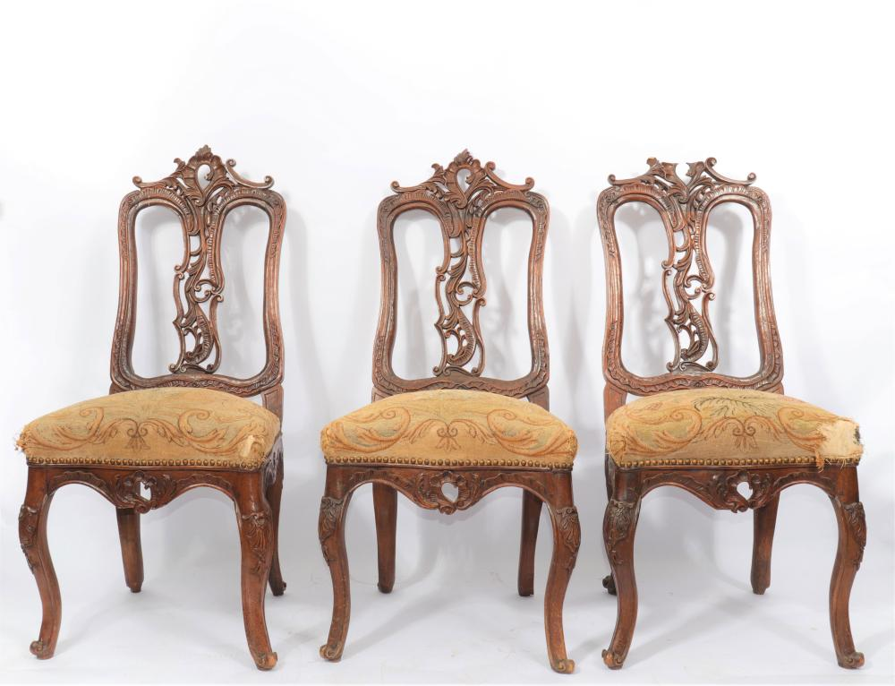Suite of 6 18th Louis XV carved chairs Sizes: L=530mm ; H=1100mm Weight (K): 43,8kg C