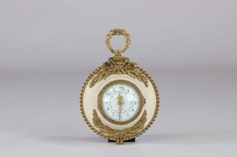 Louis XVI marble and bronze clock Sizes: H=170mm l=120mm Weight (K): 0,87kg Condition