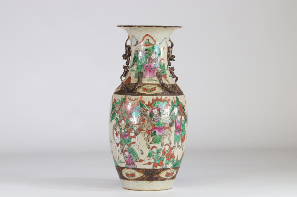 China Nanking porcelain vase 19th warriors decor Sizes: H=440mm D=210mm Weight (K): 3,76kg