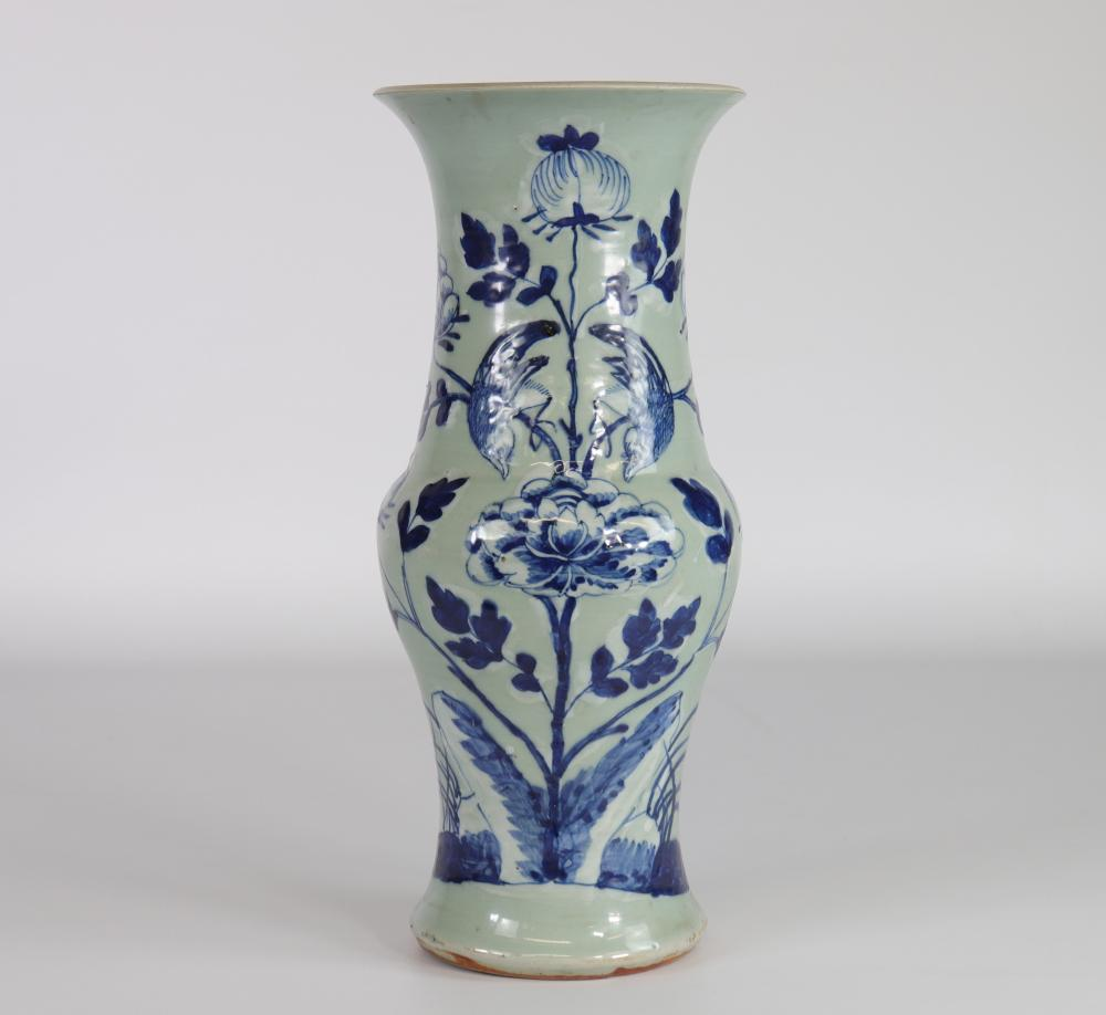 China celadon vase with late 19th bird decoration from Xianfeng brand Sizes: H=380mm D=160mm