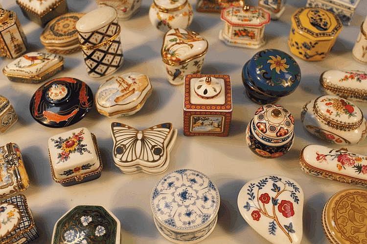 Spanish Porcelain Del Prado Trinket Ring Pill Box