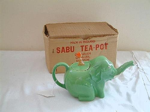 A Colclough 'Sabu' elephant teapot in original box 9.75in.