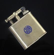 A Dunhill 14ct gold lighter, 47mm.
