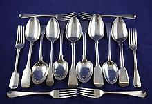 Fifteen items of 19th century silver flatware, 32.5 oz.