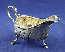 A George III Irish silver sauceboat, 3.5 oz.