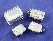 Four 19th century silver vinaigrettes, 1in et infra.