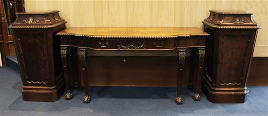 An Edwardian Adam style serving table, with pedestals ensuite, table W.5ft 9in. D.2ft 2in. H.2ft 10in. Pedestals W.1ft 11in. H.3ft 8in.