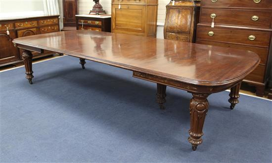 A Victorian mahogany extending dining table, Extended 11ft 5in. x 4ft 11in. H.2ft 6in.