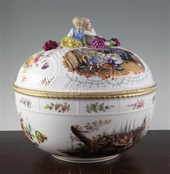 A large Berlin porcelain bowl and cover, 19th century, diameter 31cm, associated cover