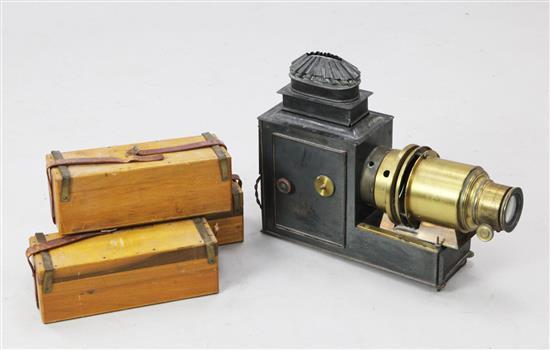 A late Victorian magic lantern