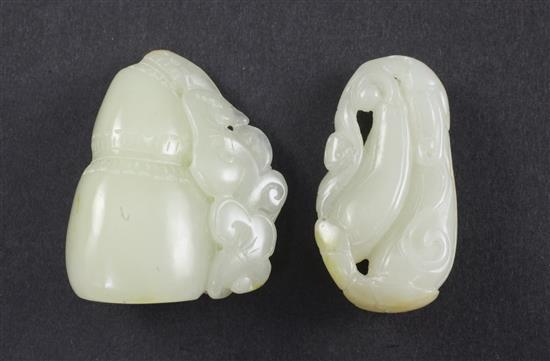 Two Chinese pale celadon jade carvings, 4.9cm and 4.8cm