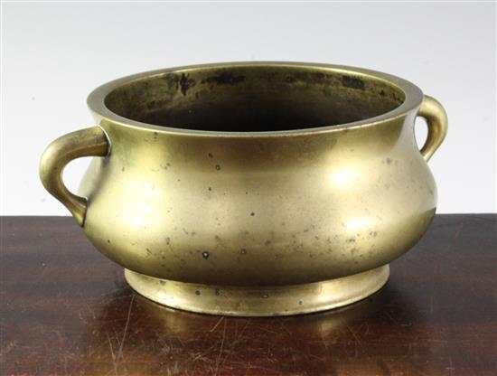 A Chinese bronze 'gui' censer, 18th / 19th century, weight 1.11kg, width 19.5cm