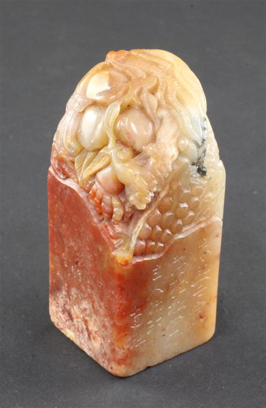 A Chinese Shoushan stone seal, 6.7 x 2.9 x 2.9cm