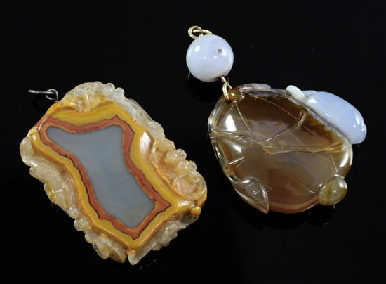 Two Chinese chalcedony pendants, 19th/20th century, 5.8cm