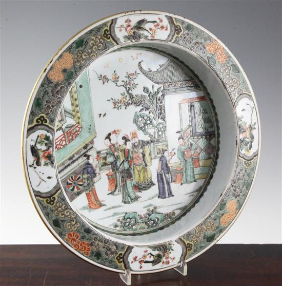 A good Chinese famille verte basin, Kangxi period c.1700, diameter 35cm, depth 7.5cm