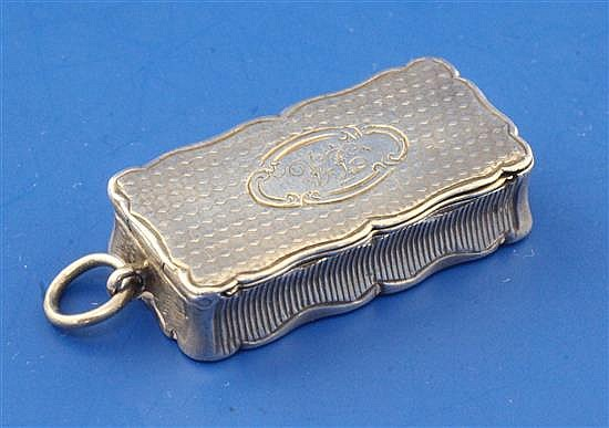 A Victorian engine turned silver combination vesta/vinaigrette by Aston & Son, 1.25in.