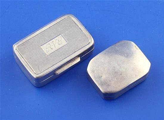 A George III silver octagonal vinaigrette and a sterling box
