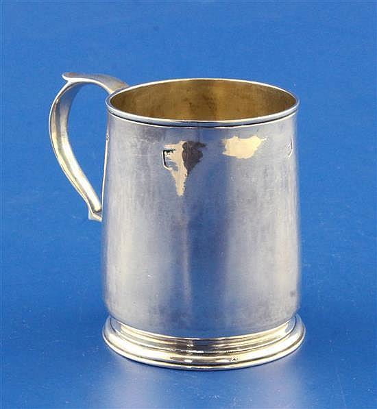 A George II silver mug by John Gamage, 3 oz.