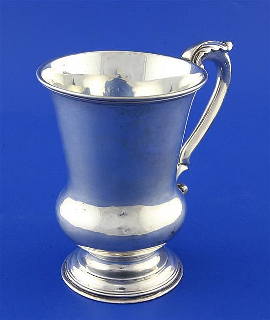 A William IV silver vase shaped pedestal cup, 9.5 oz.