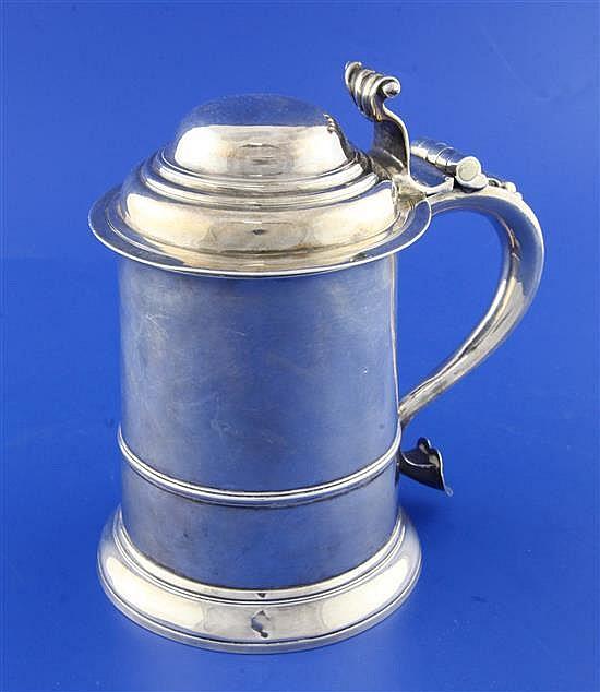 A George II silver tankard by William Williams I, 25.5 oz.