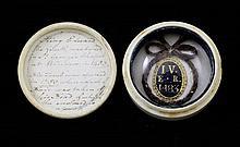Royal Memorabilia: A small 19th century box and cover, 1.5in.