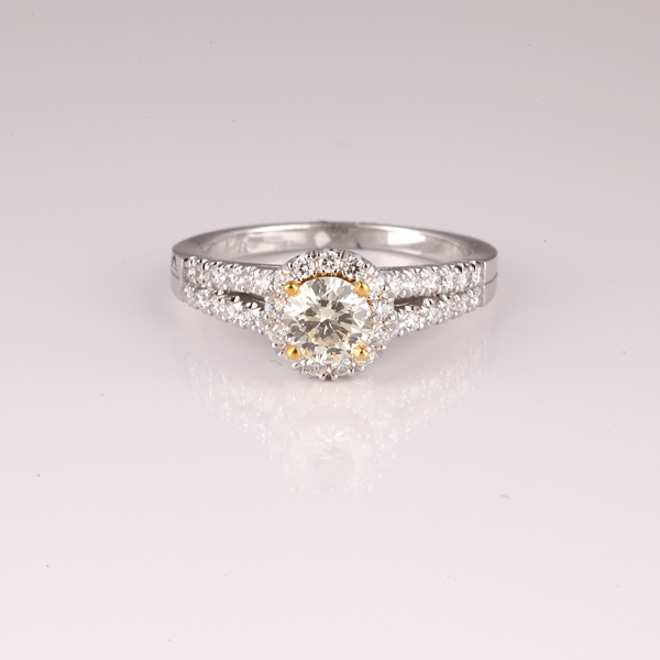 APP 7 5k 14 kt Two Tone Gold 0 97CT Round Cut Diamond Ri