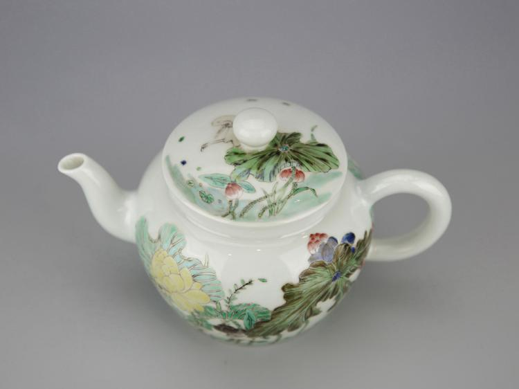 Chinese Polychrome Porcelain Tea Pot