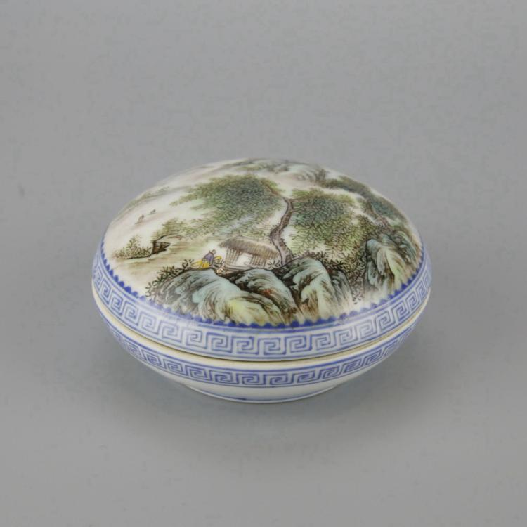 Chinese Doucai Porcelain Ink Box