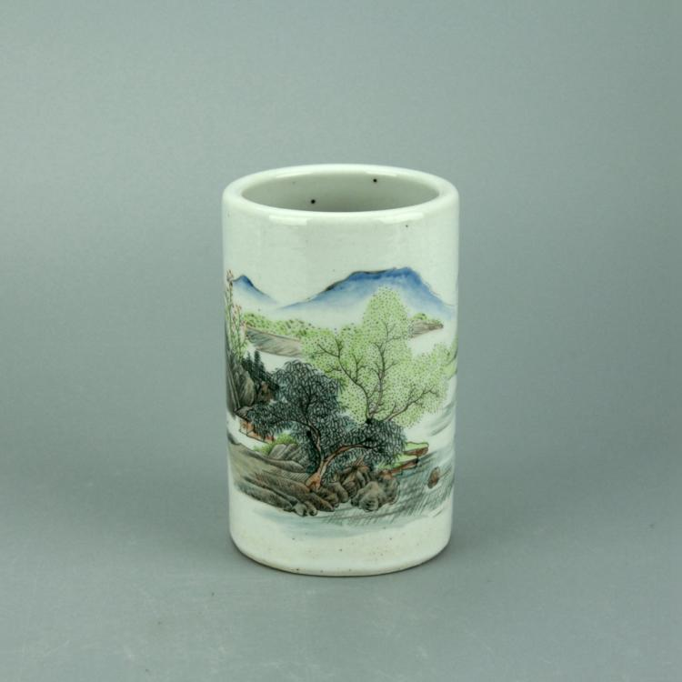 Chinese Wucai Porcelain Brush Pot