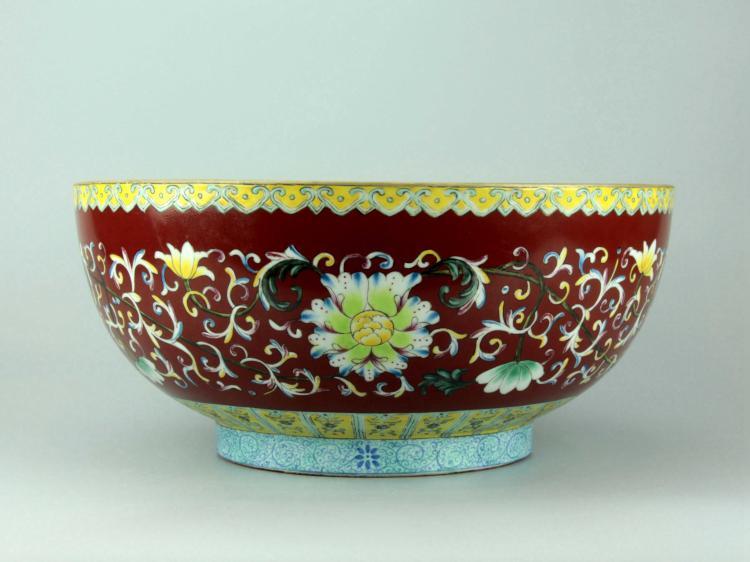 Large Chinese Famille-Rose Porcelain Lotus Bowl
