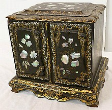 Ea. 19th C. English jewelry chest