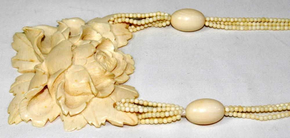 Exquisite Antique Ivory Bone Carved Rose Flower Necklace