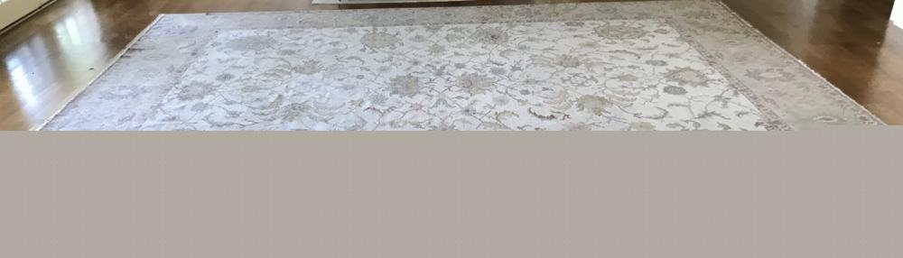 Quality Hand Knotted Silk & Wool Persian Carpet